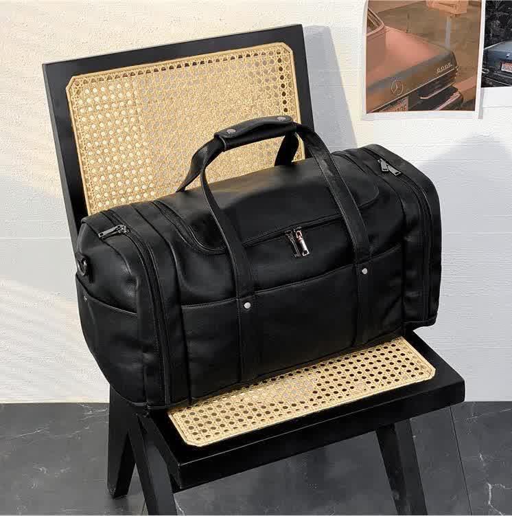 Men handbag outdoor sports fitness leisure handbags large multifunctional leather fashion travel bag