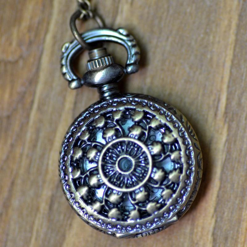 Designs Case Dia 2.5CM Pendant Chain Quartz Bronze Small Crown Watch Pocket Watch