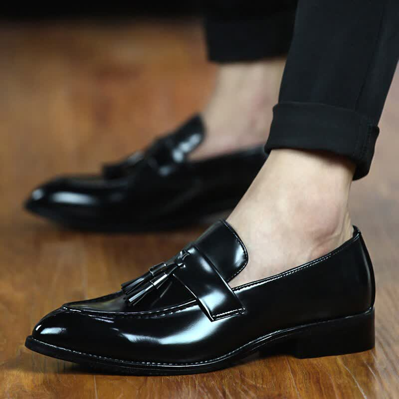 Men Dress Shoes New Slip On Patent Leather Bright Fringe Male Loafers Pointed Toe