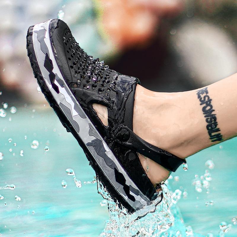 Men Sandals Crock Brand Clogs Shoes Croc EVA Lightweight Slipper Hot Sale Unisex Colorful Shoes for Summer Beach