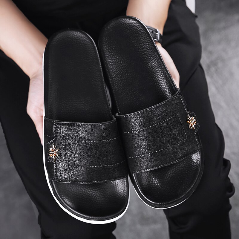 Designer Men Slippers Black Indoor Shoes Non-slip Summer Outdoor Beach Slides Soft Sandals Home Bathroom Flip Flops